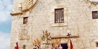 Parada turística obligatoria, Iglesia de la Ermitana Peñíscola