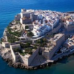 Peñíscola se llena de júbilo al entrar el Castillo de Papa Luna como uno de los más legendarios del país